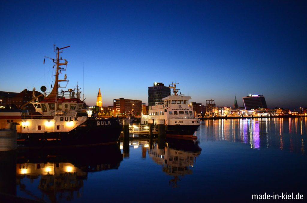 Die Kieler-Förde am Abend. Ferienwohnung Kiel-Wik