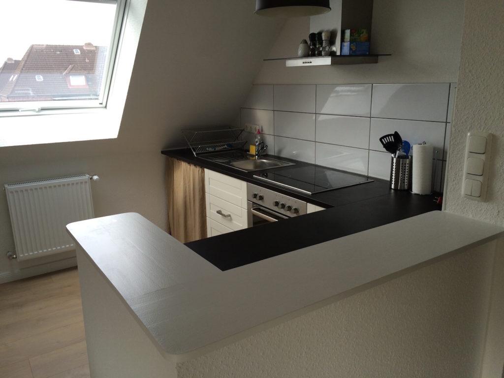 Voll ausgestattete Küche der Ferienwohnung Kiel-Wik